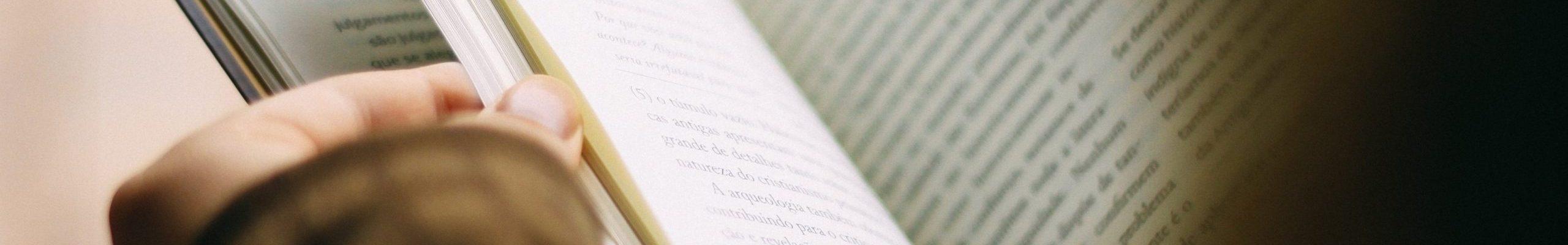 books-1149959 (2)